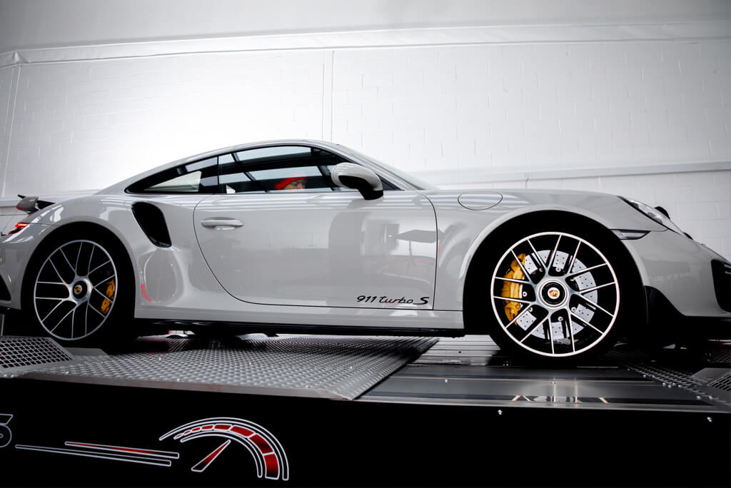 Side shot Porsche 911 Turbo S